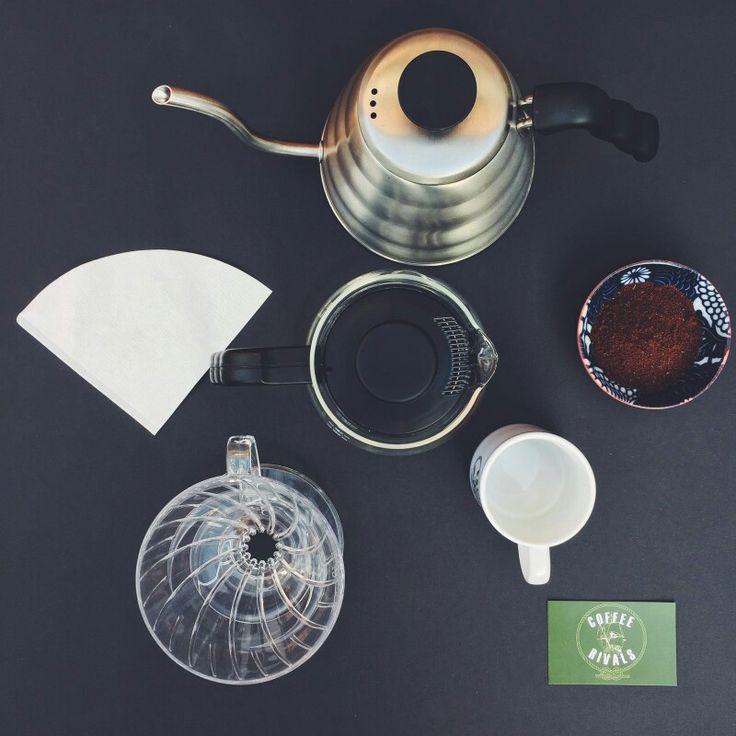 Vroeg opgestaan dus tijd voor een heerlijke #slowcoffee - met verse #koffiebonen van #coffeerivals! #koffie #coffee #kettle #slowdown