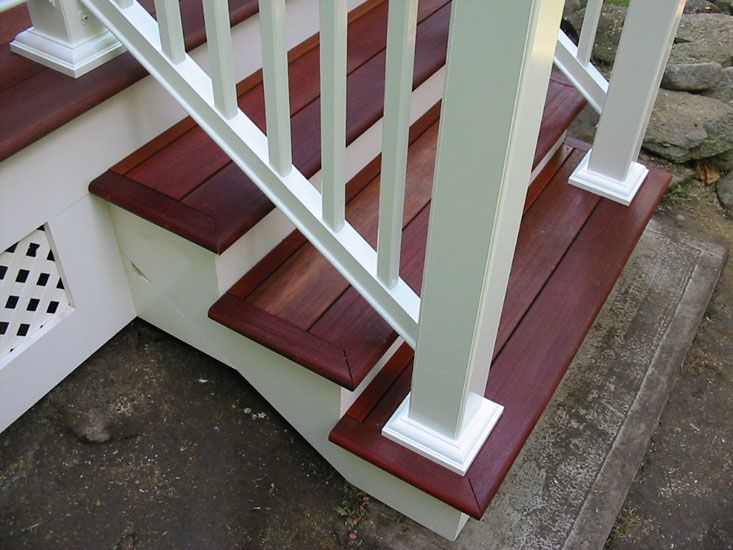 Front step made with composite decking