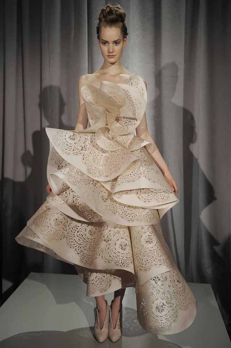laser-cut clothing |Marchesa - Runway RTW - Spring 2011 New York Fashion Week