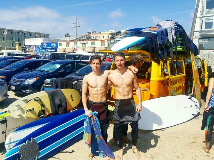 We went surfing the other day and I'd be lying if I said that I didnt shout 'LUCASSS!! Every time a wave hit Tom'  #theimpossible