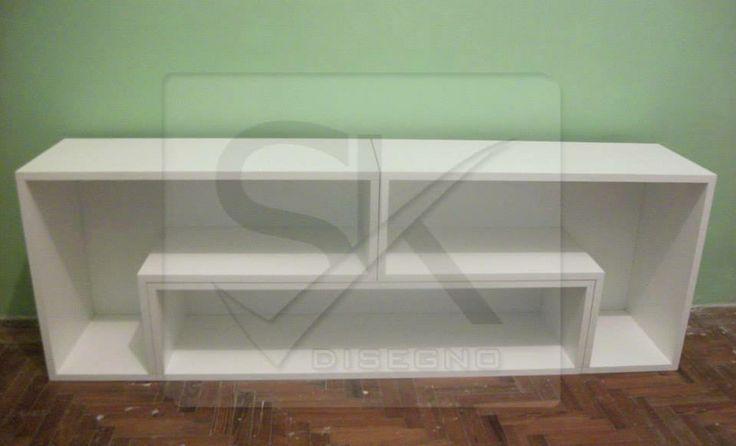 #mueblelcd, 2 modulos ¨L¨ + 1 ¨Columna¨, con fondo de madera blanco. #muebletv, #biblioteca