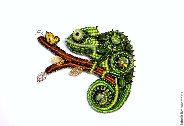 """Брошь """"Хамелеон на охоте"""" - зеленый,брошь,хамелеон,брошь ручной работы"""