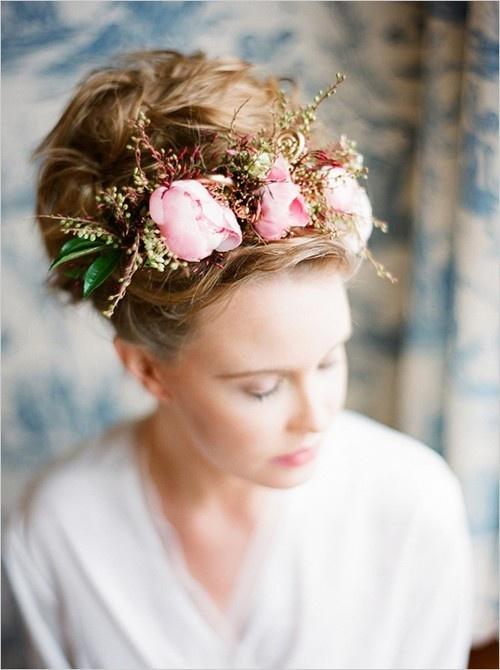 17 best images about floral bridal halo on pinterest wedding inspiration halo and flower. Black Bedroom Furniture Sets. Home Design Ideas
