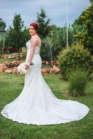 Our bride in Pronovias Primael
