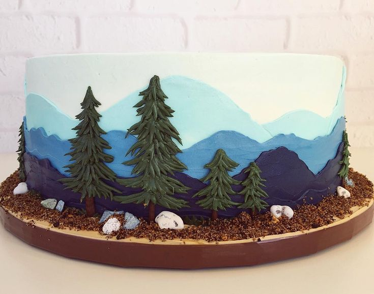 Nothing like a buttercream mountain scape + some happy little trees to get a gal missing the PNW 🌲🌲🌲p.s. Chocolate rocks are crazy delicious.  #thegreatoutdoors #happylittletrees #pnw #adventureawaits