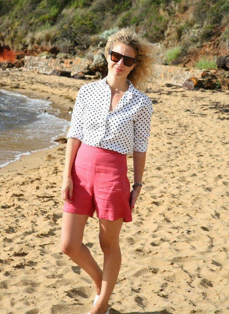 Esther Short– This classic, vintage-style short pattern is high waisted and features f...