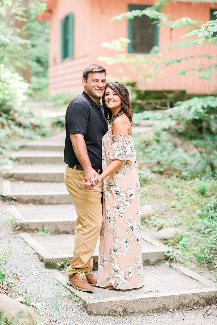 Engagement photos at Spence Cabin in Greater Smoky Mountains National Park.   Neyland Stadium Engagement Session by Matthew Davidson Photography | Bride Link