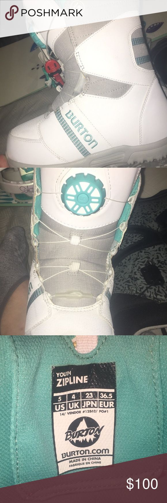 Burton Snowboarding Boots Youth 5/ Women's 7. Only worn twice. Excellent Condition! Burton Shoes Winter & Rain Boots