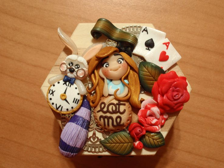 #fimo clay alice in the wonderland