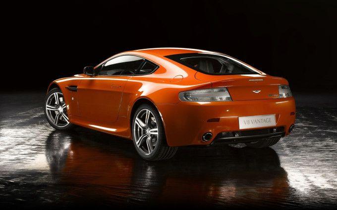 Orange Aston Martin V8 Vantage N400