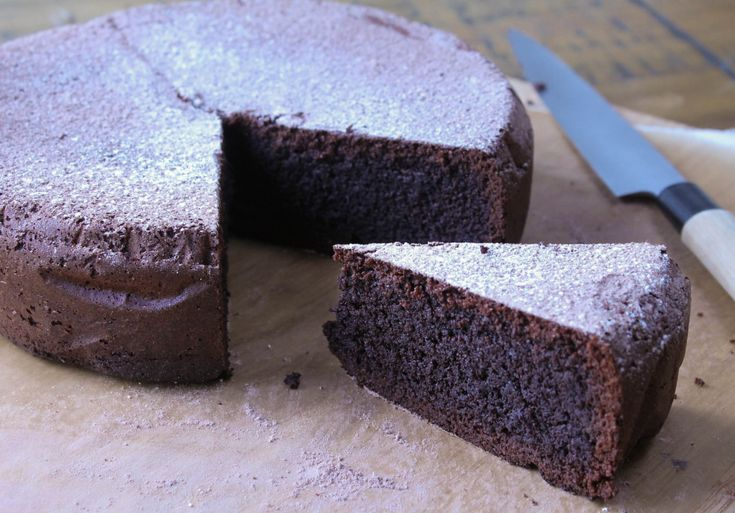 Gluten free chocolate mud cake recipe at http://chelseawinter.co.nz/gluten-free-chocolate-cake/