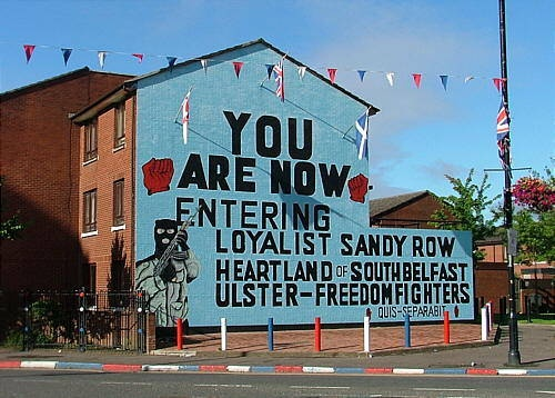 Loyalist murals in belfast northern ireland belfast and for Mural belfast