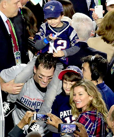 Tom Brady celebrates defeating the Seattle Seahawks with Gisele Bundchen and his sons after Super Bowl XLIX.
