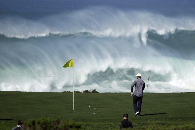 Le parcours du club de golf de Pebble Beach, en Californie, est considéré comme l'un des plus beaux du monde. Et, au contraire du très privé club Augusta National en Géorgie - l'autre joyau du golf américain -, tout le monde peut y jouer. À condition bien sûr d'en avoir les moyens!