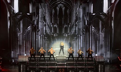 Love the idea of three different steps/heights in the back http://livedesignonline.com/site-files/livedesignonline.com/files/archive/livedesignonline.com/photogallery/madonna_mdna_tour/madonna%20mdna...