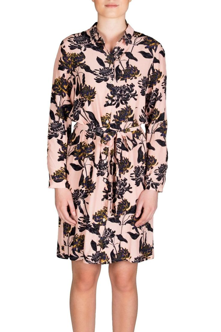 New charming Soaked In Luxury dress made from a light fabric with a beautiful all-over floral print a small feminine collar buttoned cuffs and a matching waist tie for a defined fitted look. Beverly Floral Dress by Soaked in Luxury. Clothing - Dresses - Casual Canada