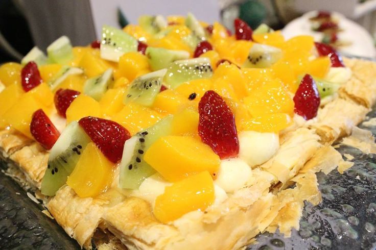 This yummy dessert is available at Swiss-Cafe Batam, Swiss-Belhotel Harbour Bay for your break fasting