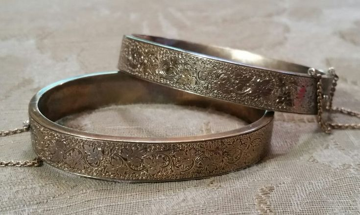 Pair Antique Victorian Gold Filled Bangle Bracelets LEAF VINE Petite Child sz6.5