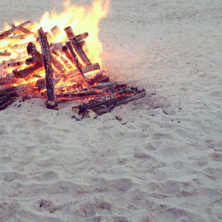 Fireplace at the beach. Lagerfeuer am Strand. Ferienwohnung | Holiday Apartment STRANDZEIT Binz Rügen: strandzeitruegen.wordpress.com