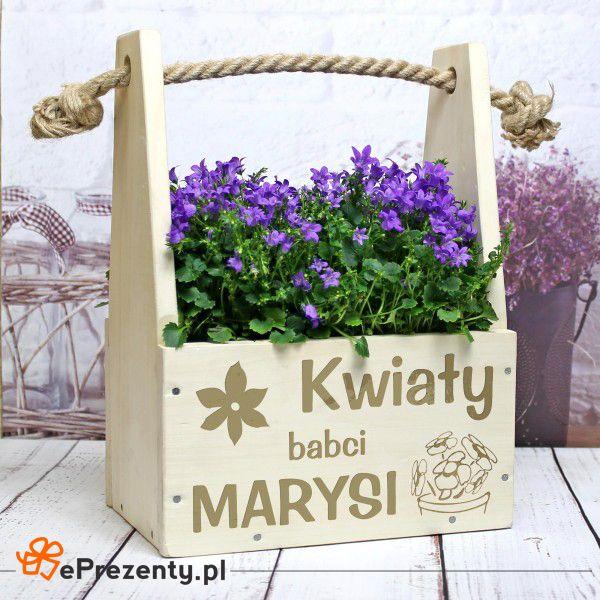 Kwiaty Twojej Babci w oryginalnej doniczce z grawerem. #prezent #niespodzianka #dlaBabci #urodziny #doniczka  http://bit.ly/1TpgzSl