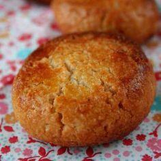 La vraie recette des macarons d'Amiens, une spécialité traditionnelle, d'une simplicité enfantine.