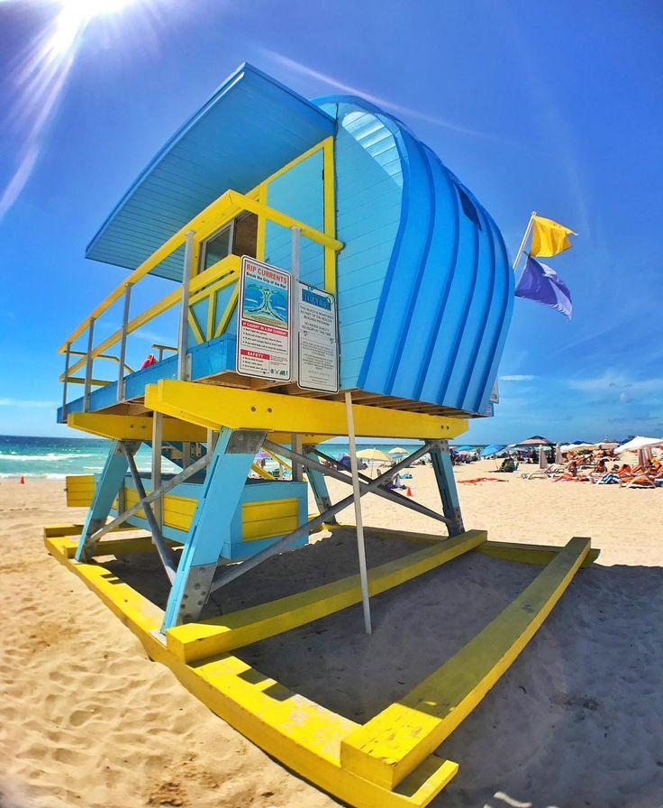 O Domingo promete ser de muito sol e calor em Miami! Suas casinhas de salva vidas uma mais colorida do que a outra são um charme à parte em South Beach e uma das características da cidade. Não são uma fofura?