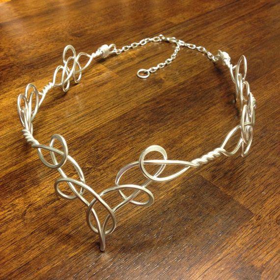 Diadème elfique TEMPLA celtique à la main fil enroulé - Choisissez votre propre couleur - couronne diadème mariée mariage postiche