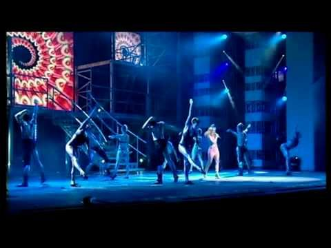 Kylie Minogue - Fever Medley (Live Royal Variety 15-12-02)