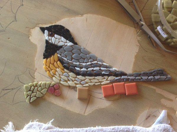 Chickadee Mosaic Table Top. Good tutorial.