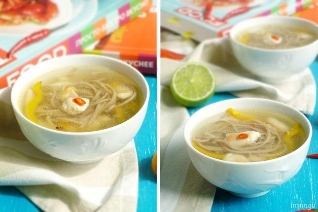 Суп в азиатском стиле с лапшой соба и курицей