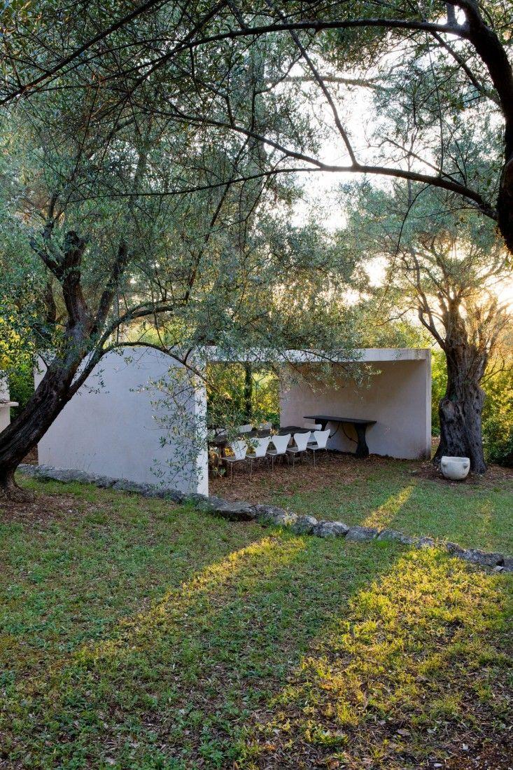 Minimalist garden of designer Jacqueline Morabito in the French Riviera