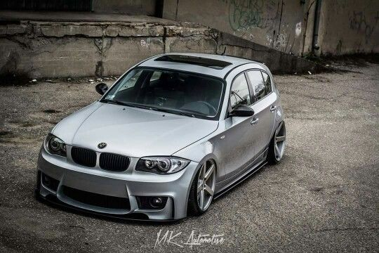 BMW E87 1 series silver slammed