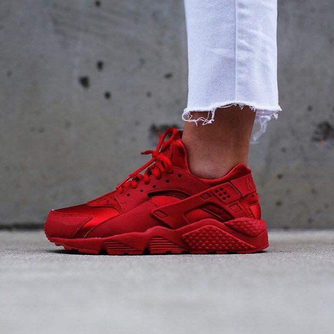 "SHOP: Women's Nike Air Huarache ""Gym Red"" 
