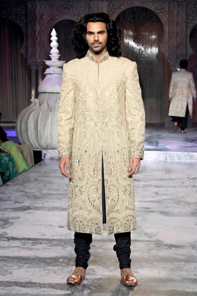 Classic Suit for the Indian Groom #Indiangroom #Indianwedding #SouthAsianwedding