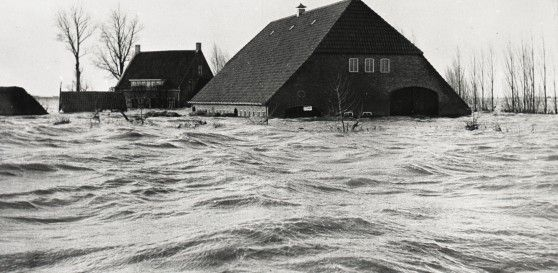 Flood in 1953... Canon van Moerdijk... the Netherlands