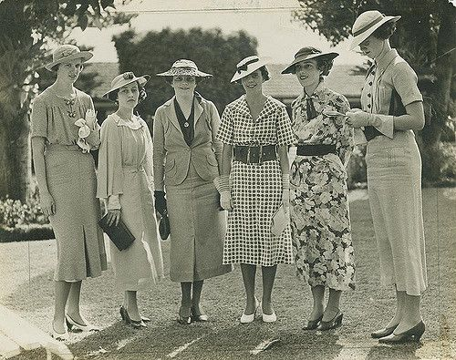 https://flic.kr/p/7NgsFS | Group of ladies enjoying a day out at the races, Brisbane | Photographer:  George Jackman for Queensland Newspapers Pty Ltd   Location:  Brisbane, Queensland, Australia  Date:  Undated  Description:  Six ladies, all wearing smart dresses and wide-brimmed hats, are gathered on the lawn at the races.   View this image at the State Library of Queensland: hdl.handle.net/10462/deriv/120818  Information about State Library of Queensland's collection…