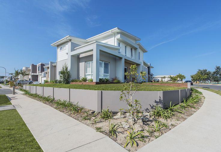 Cornerblock retaining in sunny NSW housing development