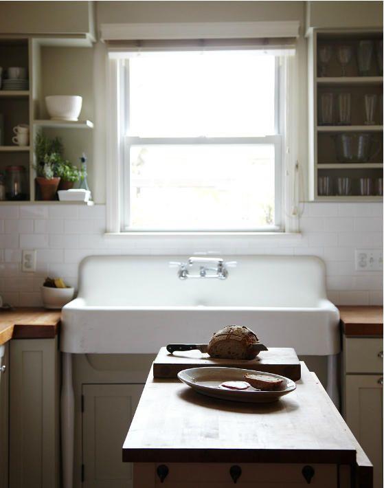: Kitchens Interiors, Kitchens Shelves, Kitchens Design, Open Shelves, Farms Sinks, Design Kitchens, Farmhouse Sinks, Johnny Miller, Kitchens Sinks