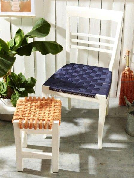 Neue Sitzfläche gefällig? Kein Problem! Wir verpassen dem alten Stuhl und Hocker einen neuen Look und machen sie fit für die Sommerzeit.