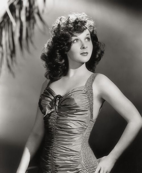 Susan Hayward - Actress (June 30, 1917 – March 14, 1975) American Fashion Model in NYC, Hayward traveled to Hollywood, 1937 for open auditions held for leading role in Gone w/ the Wind (1939).  Not selected, but Secured Film Contract, several supporting roles over next few years before big breakout. wikipedia http://mudwerks.tumblr.com/post/3998884193/cupcakektb-eyecandy-susan-hayward