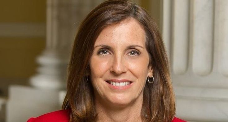 As the president continues to unravel, Republicans are beginning to panic. Although Rep. Martha McSally (R-AZ) may be publicly supporting President Donald Trump, in private she seems to have a lot of concerns.