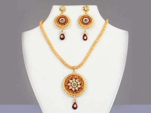 Polki Locket Set Special Price: Rs 2560