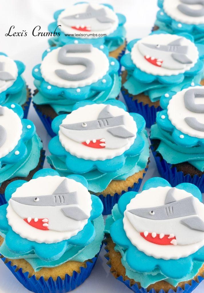 Shark cupcakes www.lexiscrumbs.com