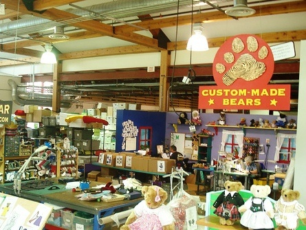 a history of the vermont teddy bear company Our story started in 1981 when our founder opened a cart on church street in  burlington, vermont and began selling teddy bears that he made in his garage.