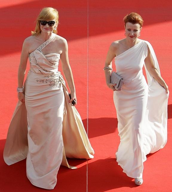 Filmový festival Karlovy Vary - červený koberec. Aňa Gaislerová a Jitka Schneiderová