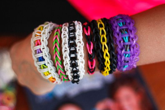 Rubber Band Bracelets video tutorial