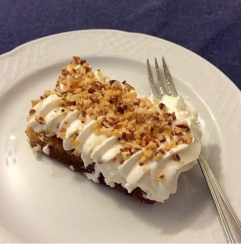 Είπατε απολαμβάνοντας ένα κομμάτι από το εκμέκ μας: «Όταν οι βραδιές κλείνουν με τέτοια γλυκά, τι άλλο να ζητήσεις!»  Vote here <3: http://www.konstandinidis.com/el/page#product_38