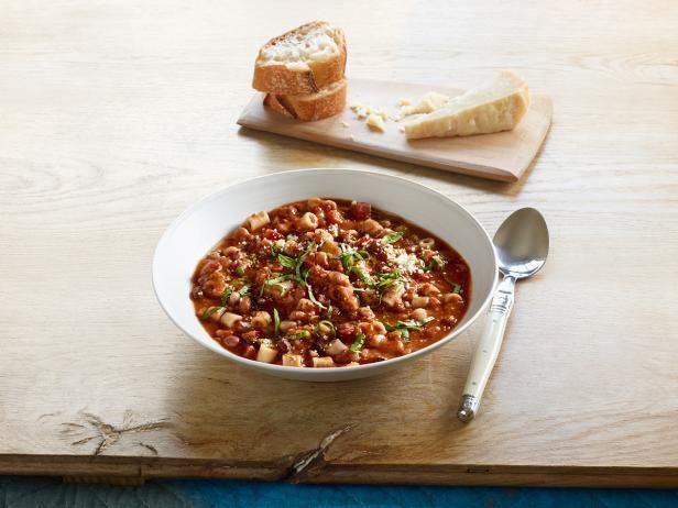 """Ina Garten's yummy comfort soup go-to: """"16 Bean"""" Pasta E Fagioli"""