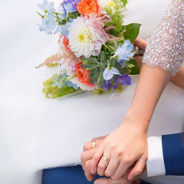 Druppel zachte kleuren bruidsboeket wedding