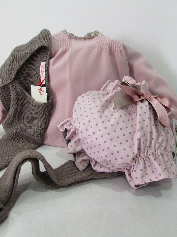 Blusa y culetín rosa palo de belan, combinado con chaquetita y leotardos color tronco de cóndor ( talla 6 meses ) Todo un acierto !!!